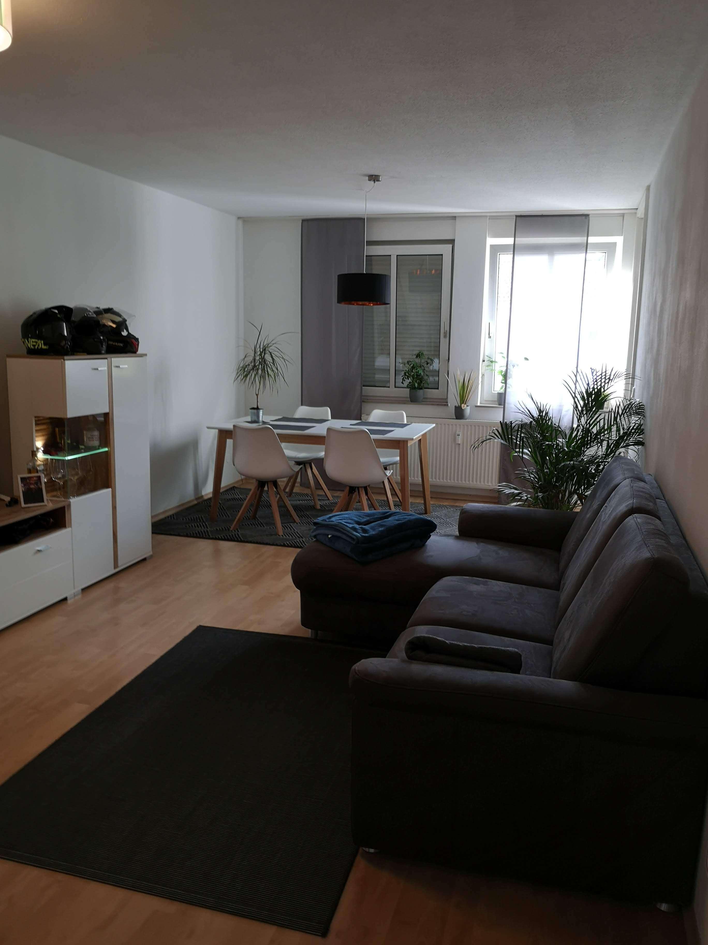 Helle 2-Zimmer-Wohnung in ruhiger Lage in Kumpfmühl-Ziegetsdorf-Neuprüll (Regensburg)