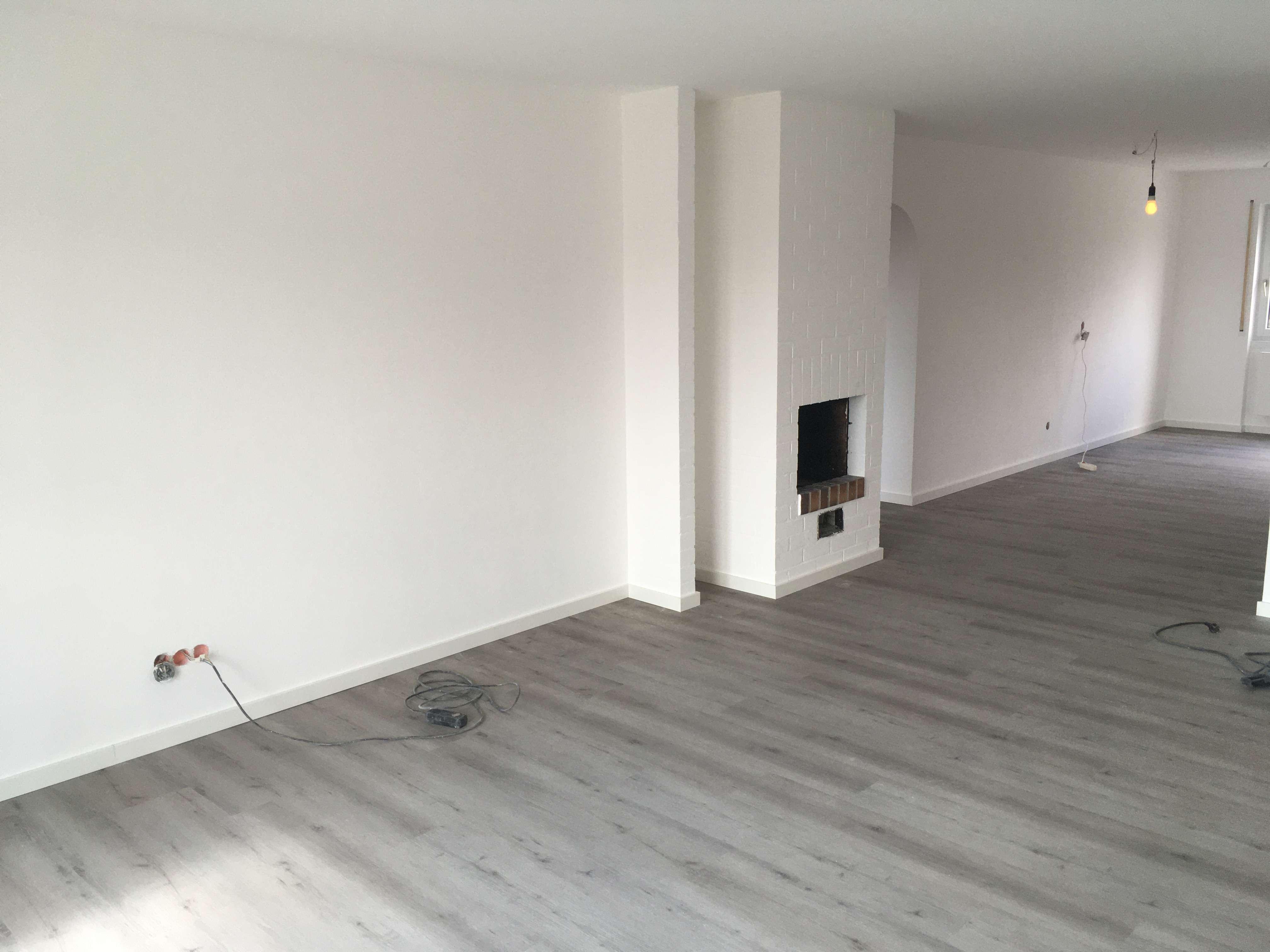 Erstbezug nach Sanierung: Exklusive 4-Zimmer-Wohnung mit Balkon, beliebtes Wohngebiet - zentral in