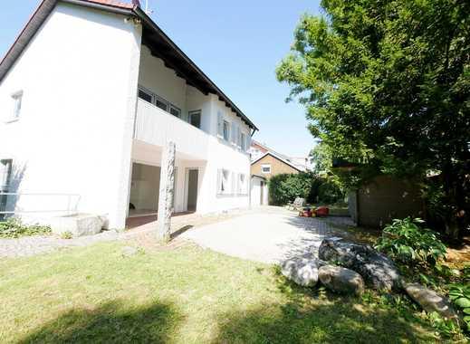 Freistehendes Einfamilienhaus mit Südgarten in Ortsrandlage
