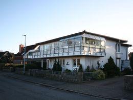 Architektenhaus mit Kanalblick
