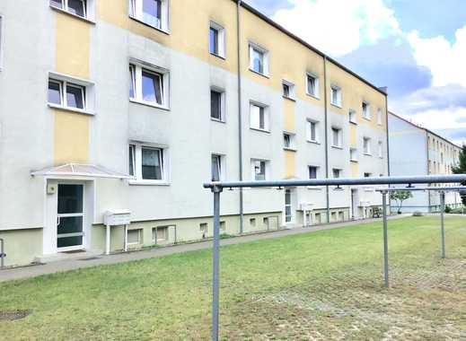 Renovierte-1-Zimmerwohnung mit Balkon wartet auf Sie.Besichtigungen unter TEL.0172/3954517