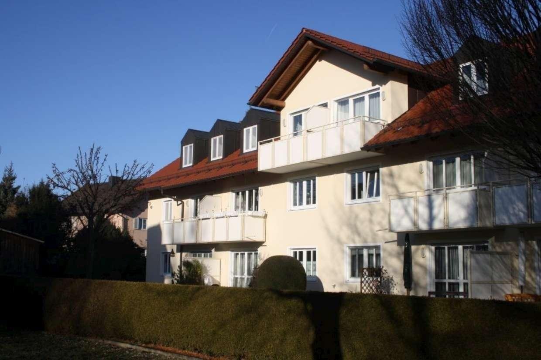 Sehr gepflegte 2-Zimmer-Dachgeschosswohnung in Ismaning in Ismaning