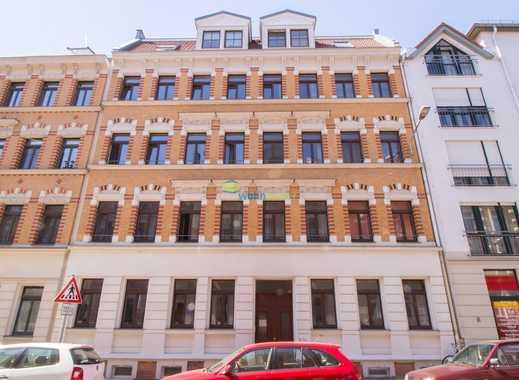 Hübsche 3-Zimmer-Wohnung mit Balkon, Parkettfußboden, Einbauküche sowie Bad mit Badewanne!!