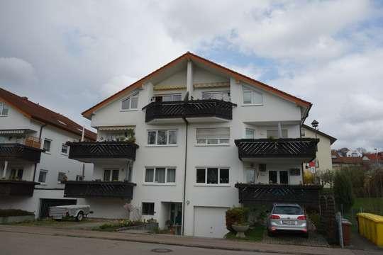 PROVISIONSFREI - 3,5 Zimmer DG - Wohnung - neu renoviert - Nettorendite: 4,1%