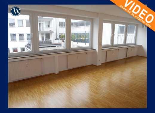 City-Apartment mit Fensterfront, gutem Schnitt, Einbauküche, Stäbchenparkett + ruhige Innenhoflage
