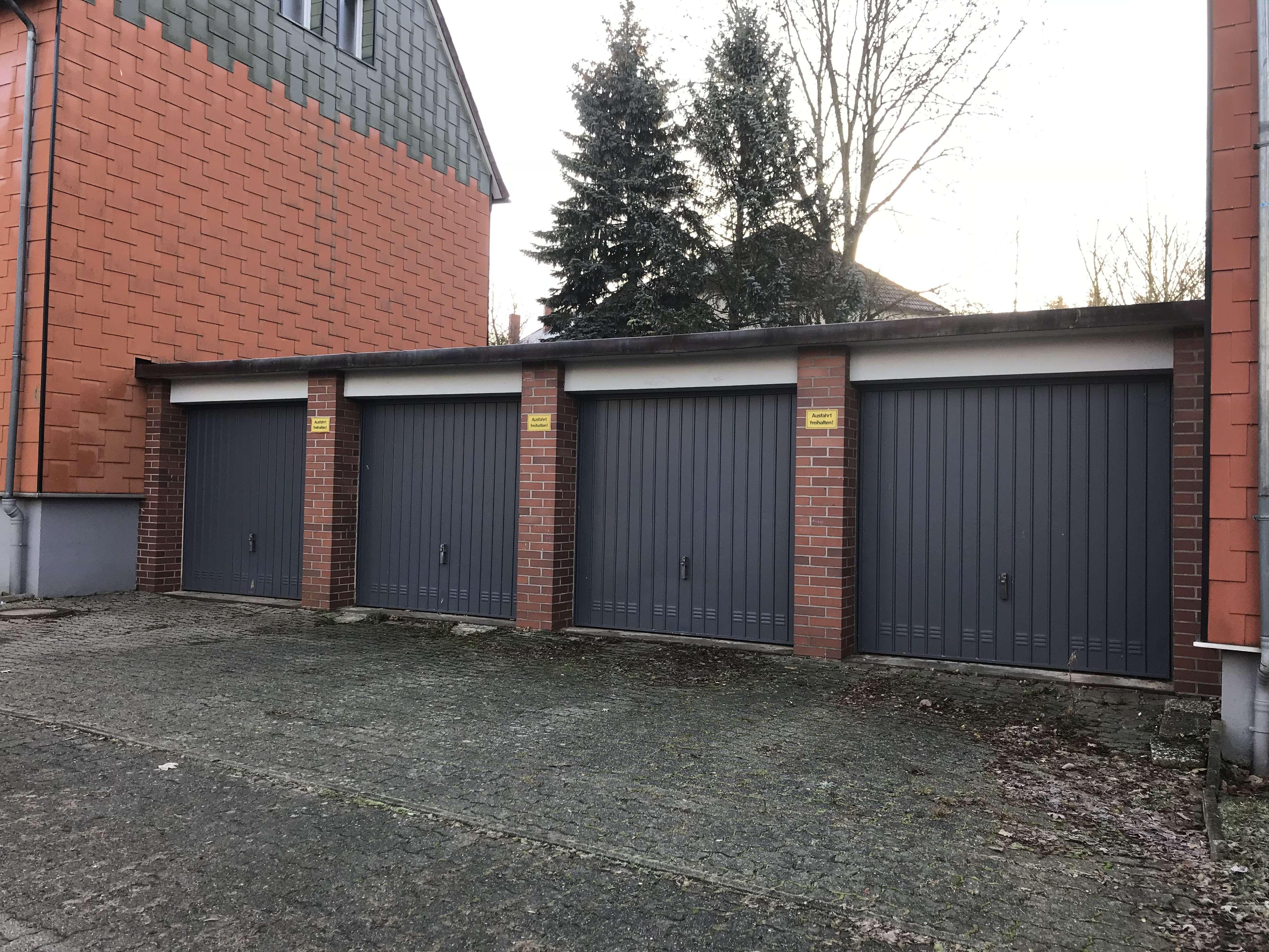 Garage im Wohngebiet Züchnerhügel