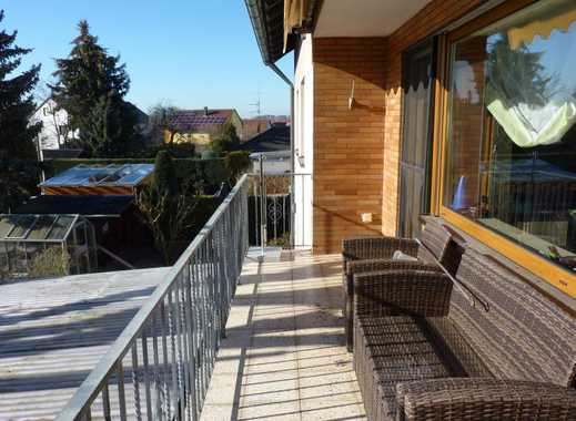 BLÜMM IMMOBILIEN: sonnige 3-Zi-Whg. mit Balkon und Stellplatz