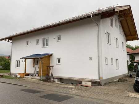 2 Zimmer Neubauwohnung im 1. OG zentral gelegen in Bernau am Chiemsee