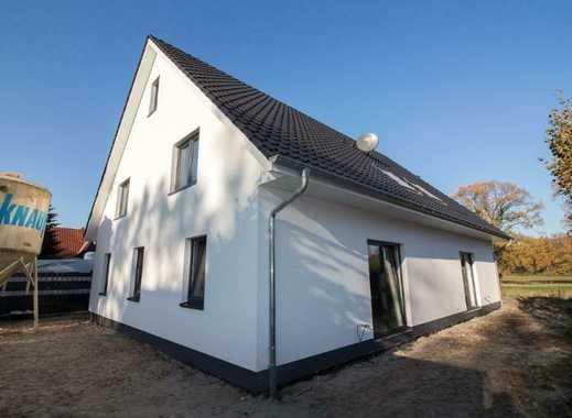 Erstbezug: freundliche 4-Zimmer-DG-Wohnung mit Balkon in Schortens