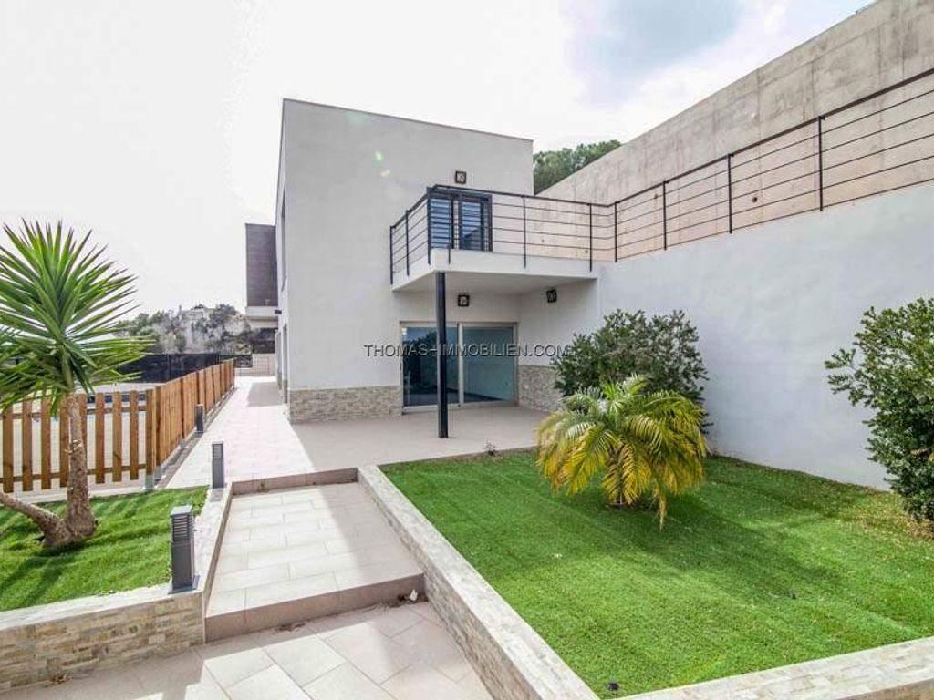 Modernes Haus mit privatem Pool und Garten in Torrent bei Valencia