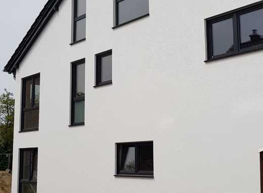 Exclusive Doppelhaushälfte mit traumhafter Feldrandlage 400 m² Grundstück