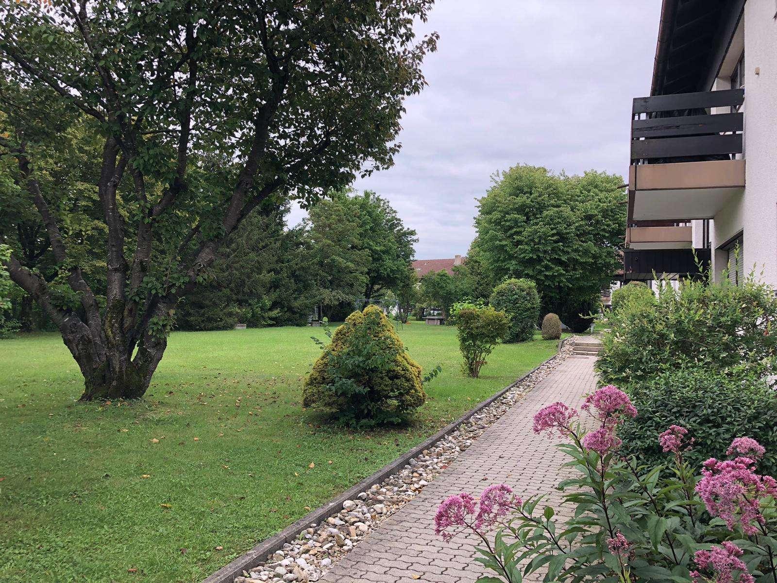Erstbezug nach Sanierung! LUXUS 2-Zimmer-Wohnung plus Hobbyraum in Trudering (München)