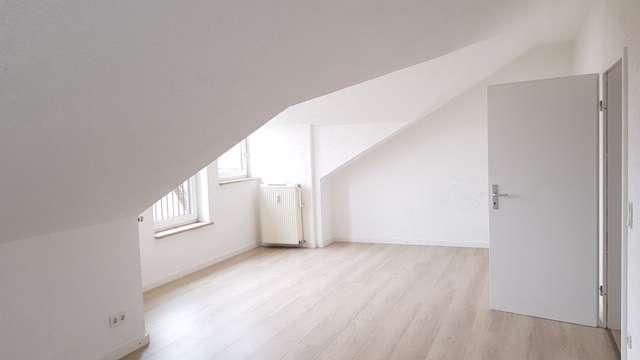 Helle DG-Wohnung mit Terrasse und Gartenanteil in Olching