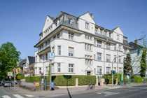 Helle 1 5-Zimmer-Altbau-Wohnung am Rande