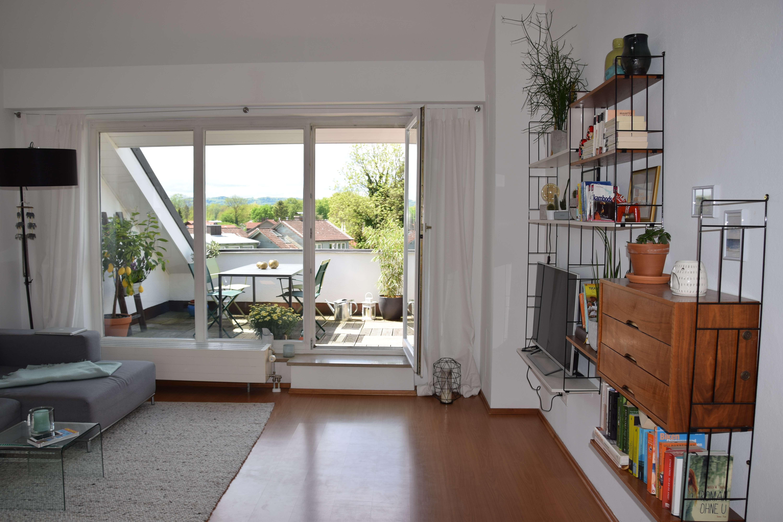 Stilvolle, geräumige und gepflegte 2-Zimmer-DG-Wohnung mit Dachterrasse u. EBK am Kurpark in Bad Aibling