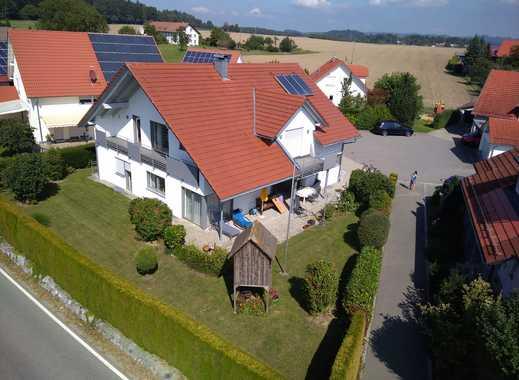 Beeindruckendes 1-2 Familienhaus in sonniger Höhenlage von RV
