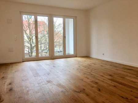 Stilvolle 3-Zimmer-Wohnung mit Balkon und EBK in Bogenhausen, München in Bogenhausen (München)