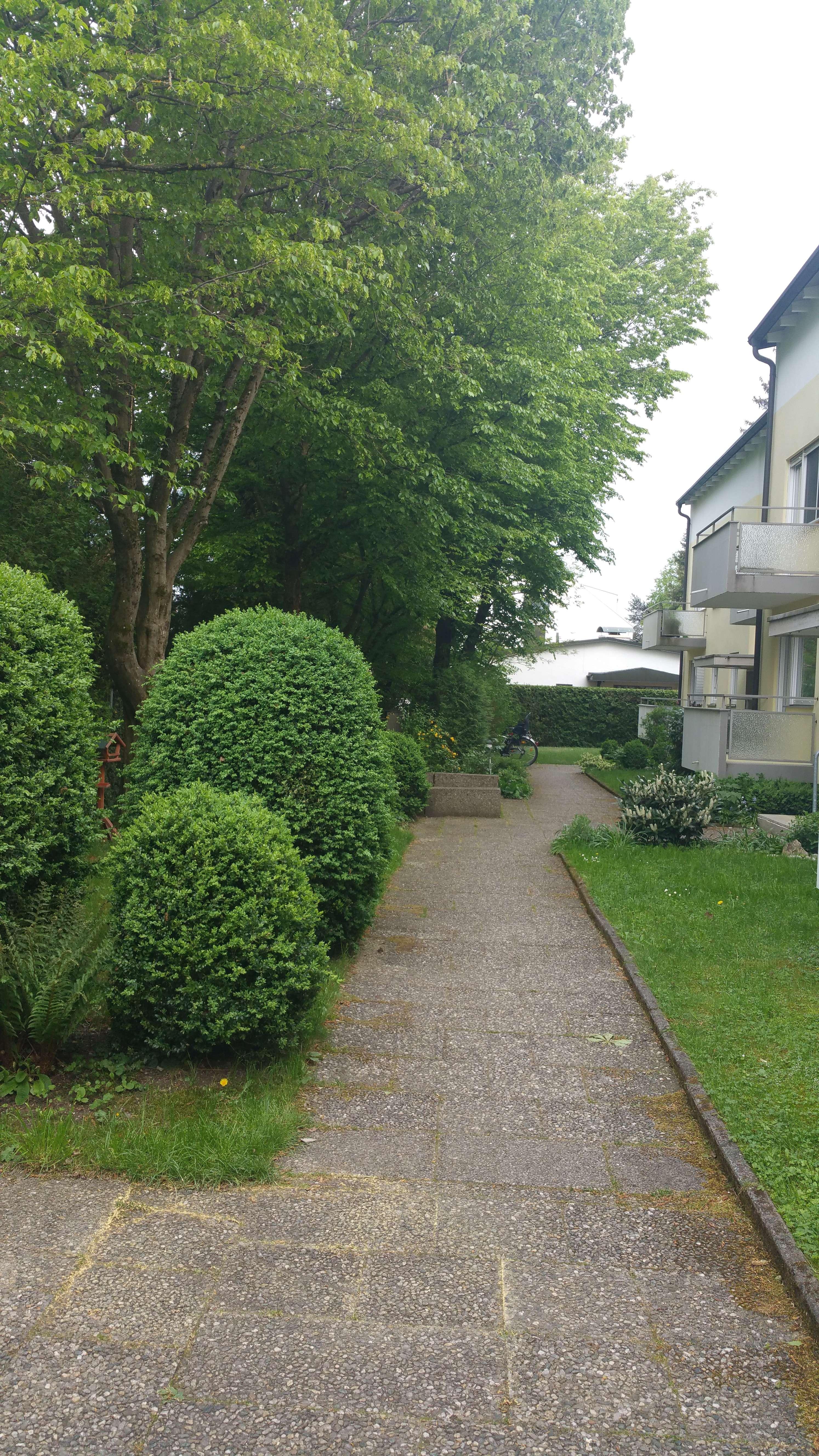 Erstbezug nach Sanierung mit EBK: exklusive, geräumige 2-Zimmer-Wohnung in Trudering, München