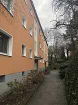 Kleine Dachgeschosswohnung in gepflegter Wohnanlage