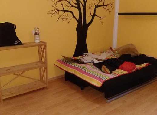 günstiges Zimmer in Uninähe, Teilmöbliert