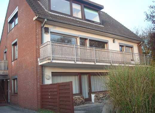 Vollständig renovierte 3,5-Zimmer-Wohnung mit Balkon und EBK in Klamp Vogelsdorf