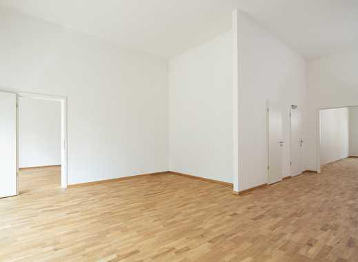 Traumhaft schöne und geräumige 4-Zimmer-Wohnung mit Balkon!