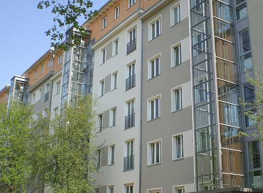 Umfassend modernisierte 2 Zimmer Wohnung mit Einbauküche am Weinberg