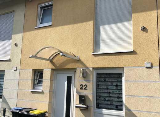 Charmantes Reihenmittelhaus in idyllischer Lage im Kölner Norden