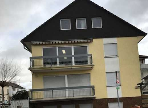 Helle, komplett renovierte  4-Zimmer-Wohnung mit Balkon in kleiner Wohneinheit in Lörzweiler