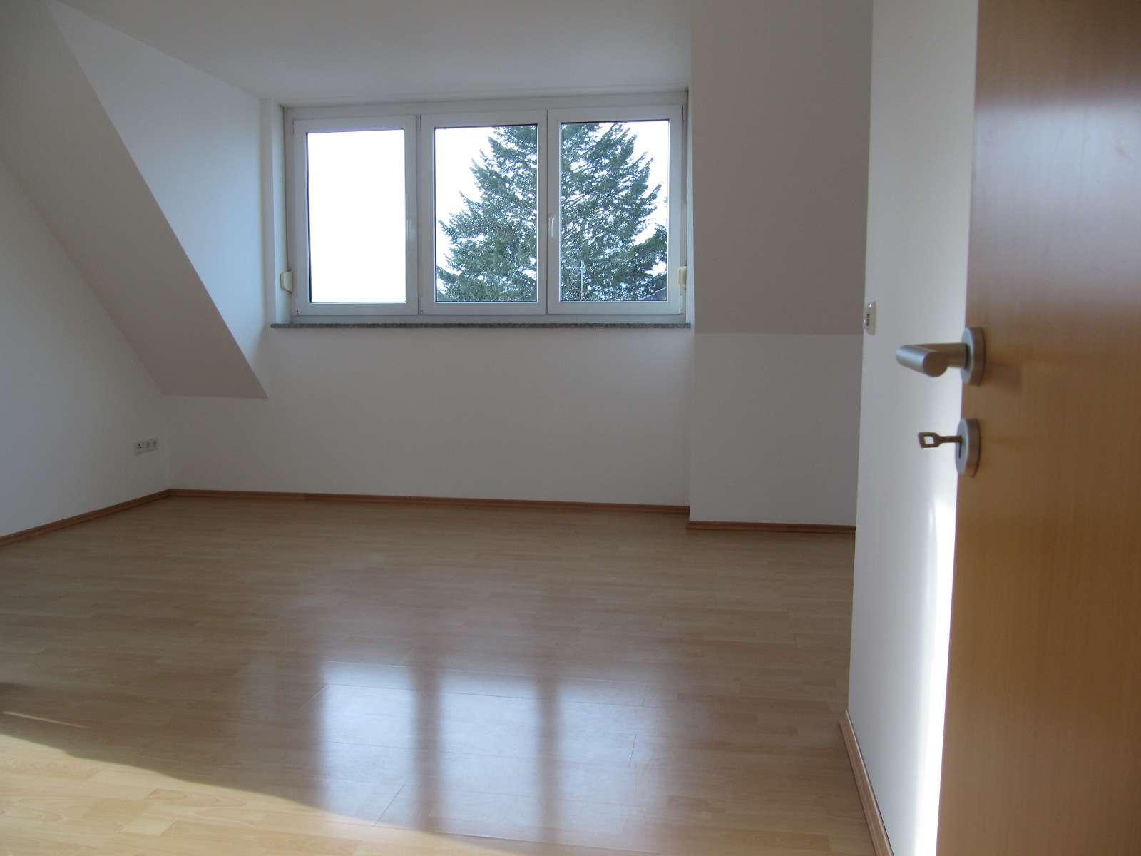Fürth-Bislohe, 3-Zi.-DG-Whg. ca. 70 qm, Laminat, Balkon, im 2. und letzten OG in Sack / Braunsbach / Bislohe / Steinach (Fürth)