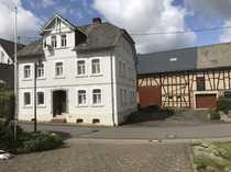 Original Hunsrücker Bauernhaus mit Nebengebäuden