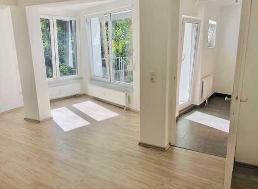Erstbezug nach Sanierung: exklusive 1-Zimmer-Wohnung mit Einbauküche