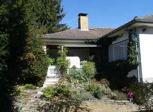 Bergen-Enkheim: Freistehendes Einfamilienhaus mit großem eingewachsenen Garten