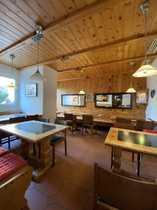 Restaurant mit Terrasse voll eingerichtet