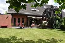 Exklusive Klinker-Doppelhaushälfte mit Großgarage und