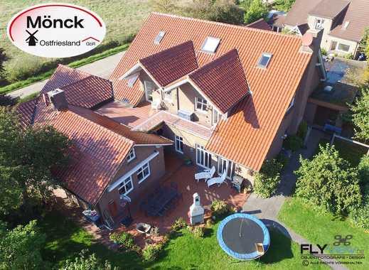 Villa mit 2 ELW, 1 ZFH, 1 Halle und Weideland