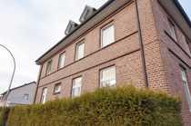 Solides Mehrfamilienhaus mit Baugrundstück