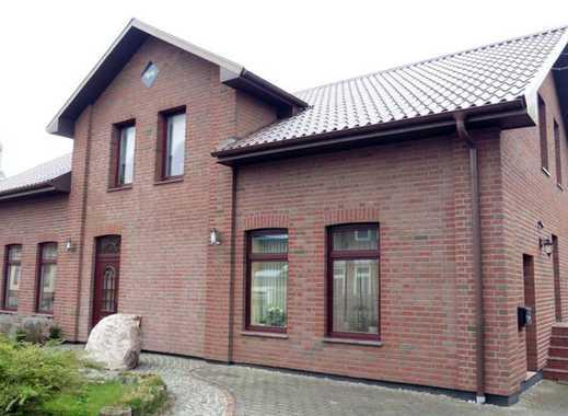 Energetisch saniertes Ein- bis Zweifamilienhaus mit großem Grundstück, Kaminofen, Terrasse und Halle
