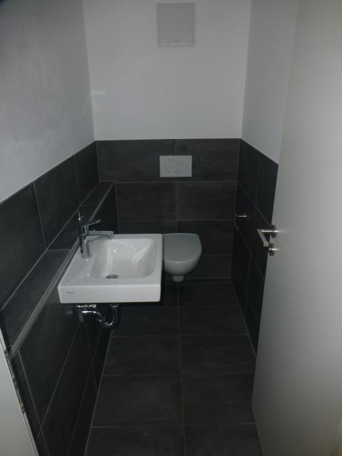 Hochwertige, moderne, schöne, helle drei Zimmer Wohnung in  Bad Königshofen im Grabfeld