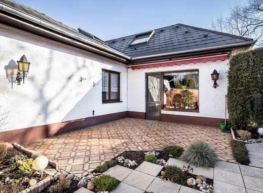Verkauf auf Immobilienrentenbasis mit Rückmiete: Gepflegter Bungalow mit Terrasse