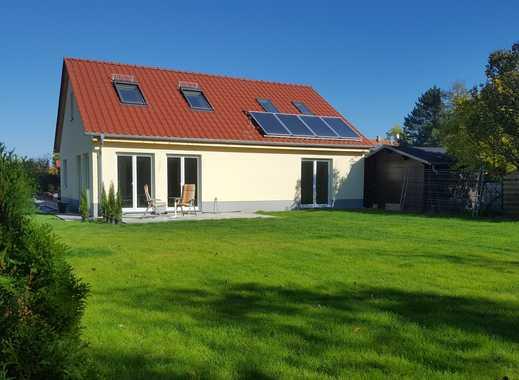 Neubau, Einfamilienhaus großzügig in ruhiger  und zentraler Lage errichtet