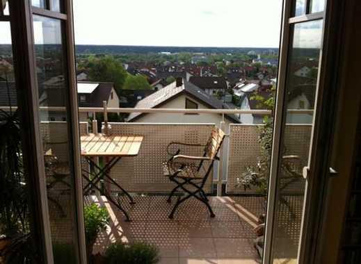 4-Zimmer Dachgeschosswohnung mit traumhaftem Ausblick i.d. Rheinebene