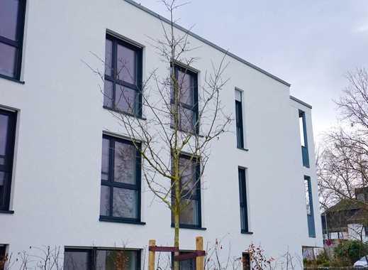 Ansprechende 5-Zimmer-Wohnung mit Balkon in Rheingau-Taunus-Kreis