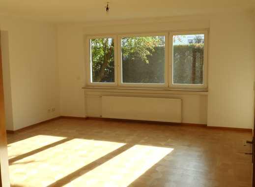 Erstbezug Sanierung: hochwertige 4-Zimmer-Hochparterre-Wohnung mit 2 Loggien