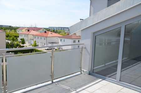 Helle 3-Zimmer-Dachgeschosswohnung mit Balkon und EBK in Göggingen in Göggingen