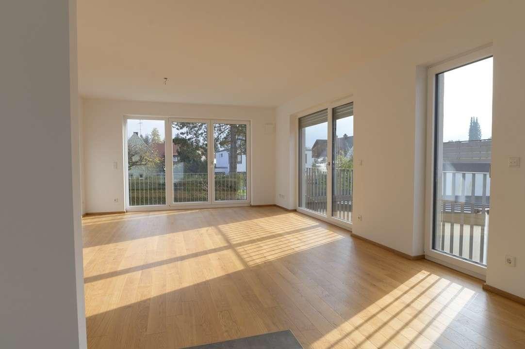 NEUBAU ERSTBEZUG: 3 Zimmer-Wohnung im 1.OG in Forstenried (München)