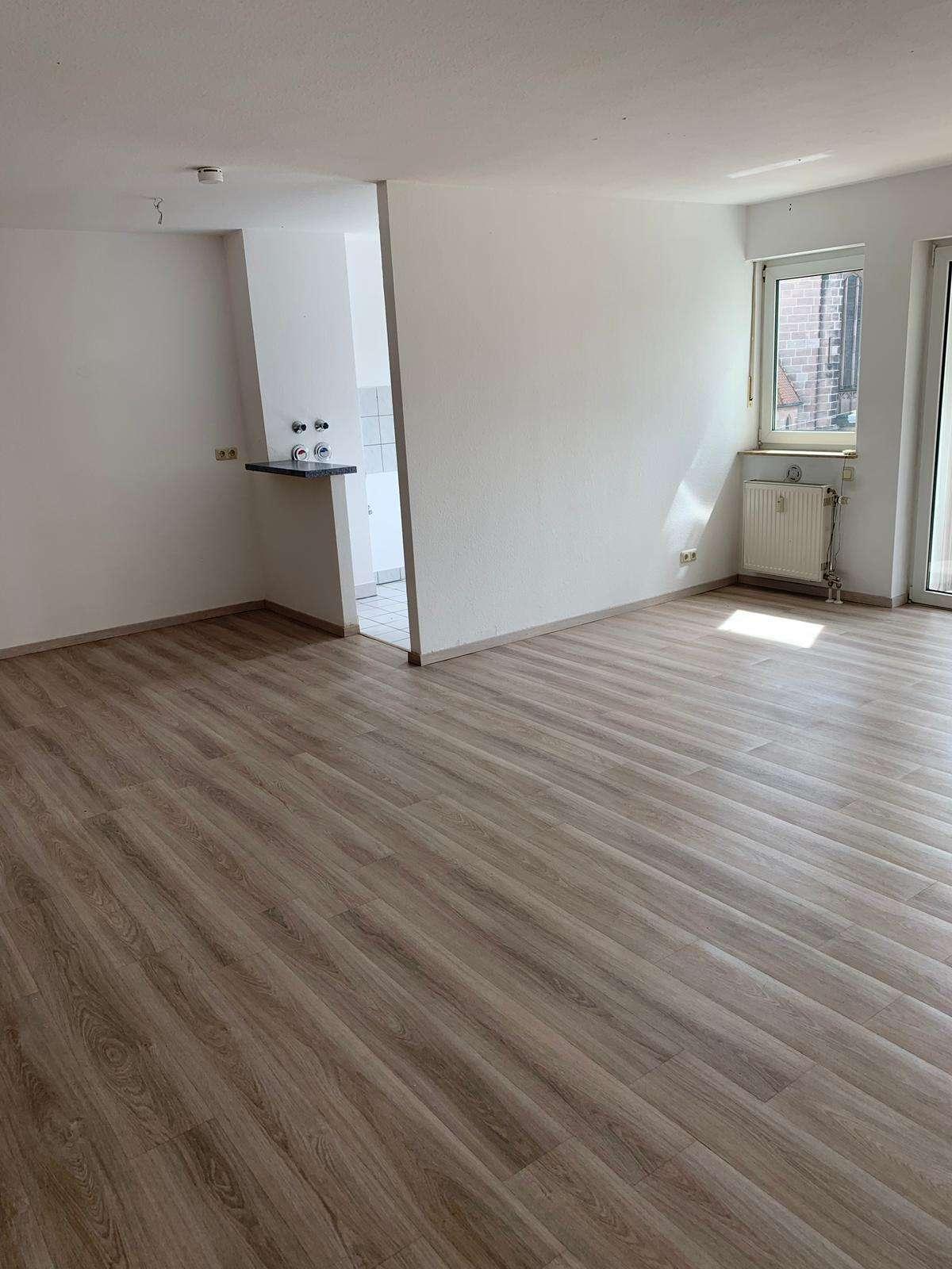Stilvolle, vollständig renovierte 2-Zimmer-Wohnung mit Loggia in Nürnberg in Ludwigsfeld
