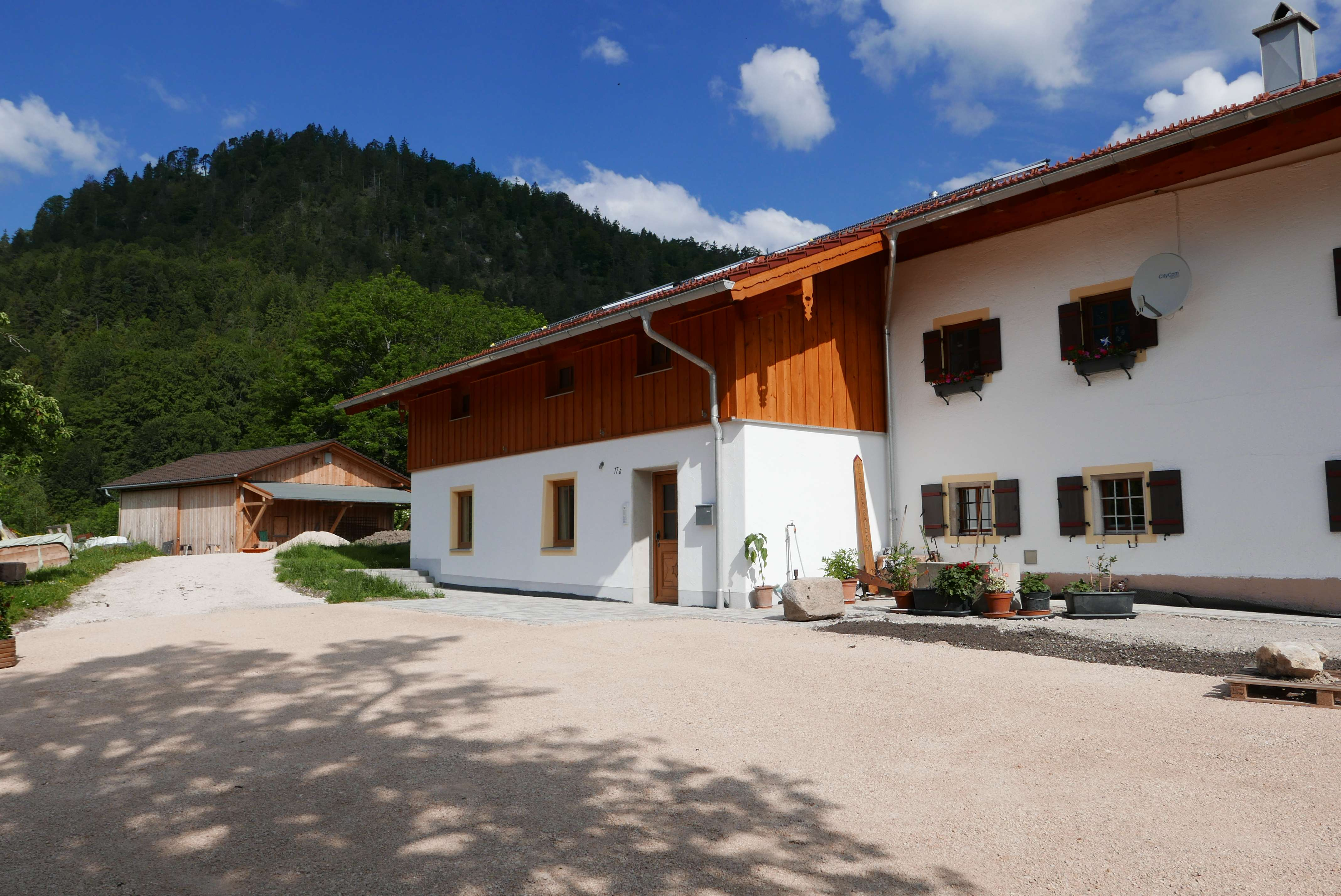 Neubau-Erstbezug. 2 Zimmer-Maisonette Wohnung in wunderbar ruhiger Lage mit herrlichem Ausblick. in
