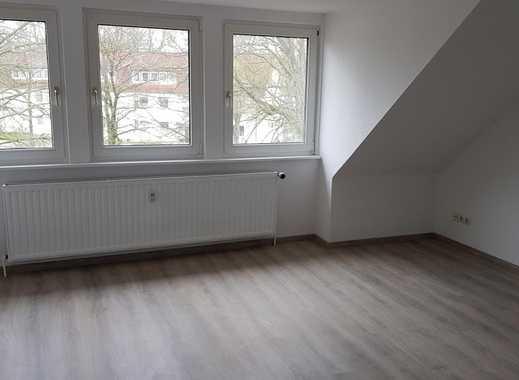 Aufgepasst... frisch renovierte 2-Zimmer-Dachgeschosswohnung