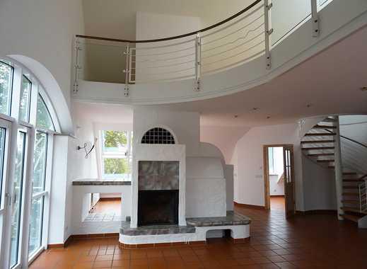 Sehr schöne großzügige DG-Wohnung (Maisonette) mit Aufzug und Balkon in Neuhaus am Rennweg/Kreis Son